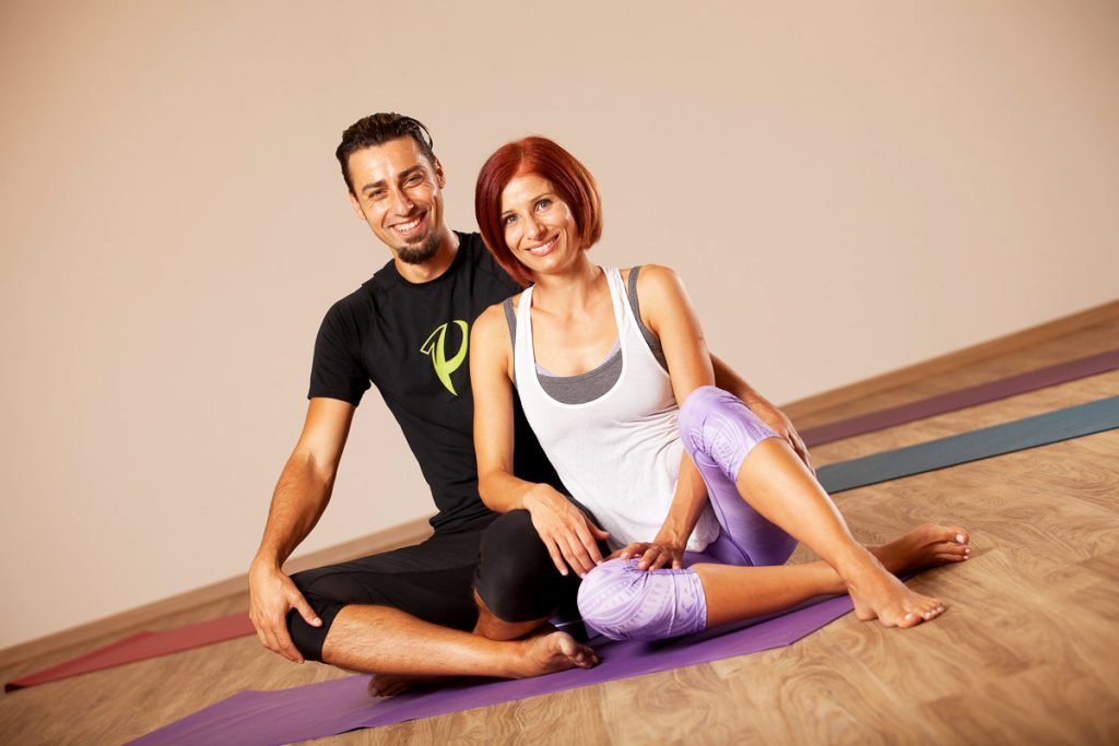 Primož in Nataša, joga, primus, joga svet je lep